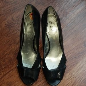 Like-New Guess Black Shoes